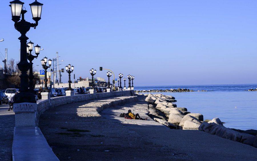 """Bari 18/02/2020 Cei, Conferenza Episcopale Italiana """"Mediterraneo frontiera di pace"""" Lungomare di Bari"""
