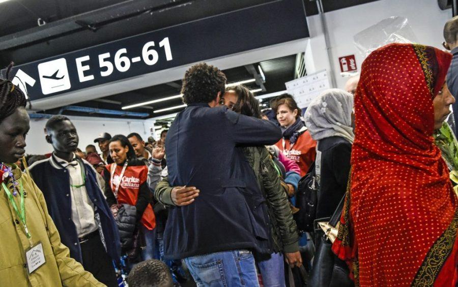 Corridoi umanitari: martedì a Roma in arrivo 67 persone dal Niger