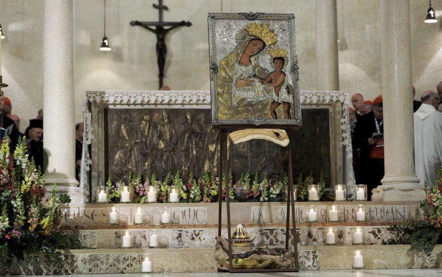 #Bari 2020. Dopo la veglia mariana, ora l'attesa di Papa Francesco