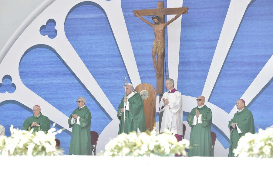 """Omelia di Papa Francesco – Santa Messa in occasione dell'Incontro di riflessione e spiritualità """"Mediterraneo frontiera di pace"""""""
